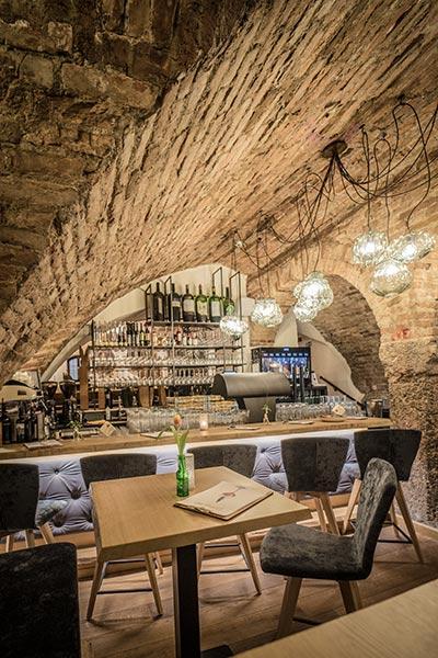 Gemütlich Wein genießen in Innsbruck