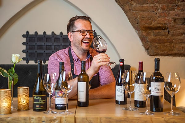 Thomas Hackl wine bar Innsbruck